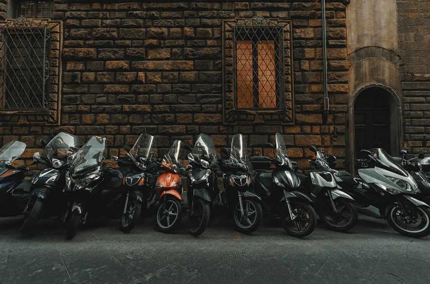 Motorradgarage